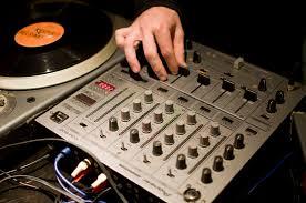 Pioneer DJM-600 dj mixers